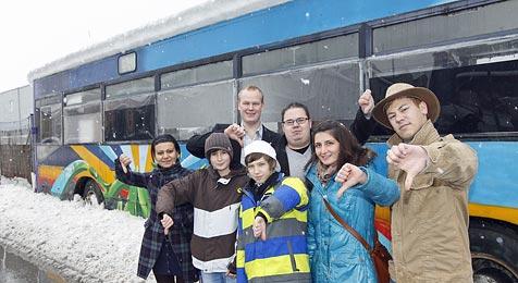 Neuer Bus soll der Halleiner Jugend als Treffpunkt dienen (Bild: Markus Tschepp)