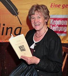 Dialekt-Autorin erhält Walter-Kraus-Preis 2011 (Bild: Andreas Kreuzhuber)