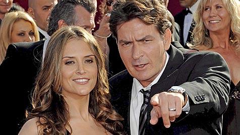 Charlie Sheen nun offiziell von Brooke Mueller geschieden
