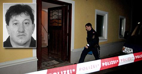 48-Jähriger erschlägt  Ehefrau -  noch immer flüchtig (Bild: APA/Neumayr/MMV / Polizei)