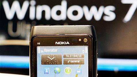 Nokia-Chef Elop: Bekommen viel Geld von Microsoft