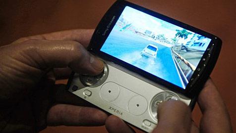 "Sony Ericsson stellt PlayStation-Handy ""Xperia Play"" vor"
