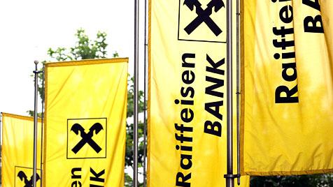 Hausdurchsuchung bei der Raiffeisen-Landesbank OÖ (Bild: EPA)