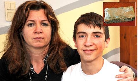 Opfer kann nach Ziegelstein-Attacke wieder lächeln (Bild: Franz Crepaz)