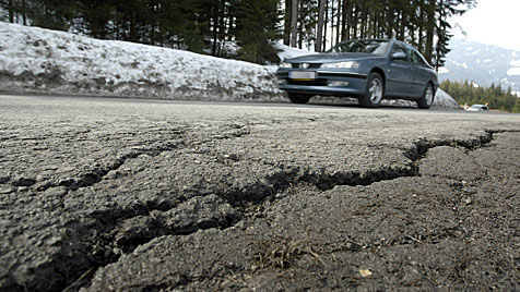 Straßen kaputt - Braunau braucht eine Million Euro (Bild: Christof Birbaumer)