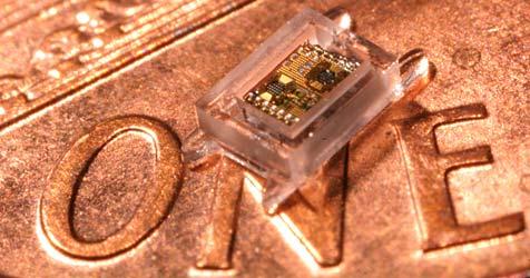 Forscher entwickeln kleinsten Computer der Welt (Bild: University of Michigan/Gyouho Kim)