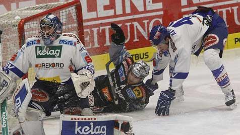 Black Wings verlieren auch zu Hause gegen VSV (Bild: APA/GERT EGGENBERGER)