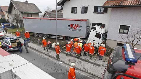 Kreislaufprobleme als Ursache für Lkw-Unfall in Bergheim (Bild: Tschepp, Markus)