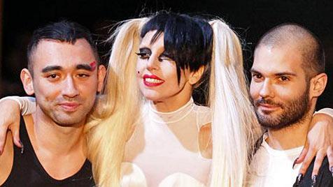 Lady Gaga lief für Thierry Mugler in Paris über Laufsteg