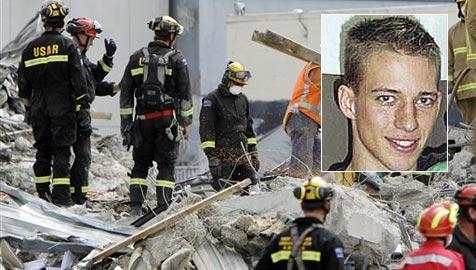 """Österreicher als """"Engel"""" der Beben-Opfer in Neuseeland (Bild: AP/Privat)"""