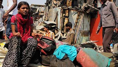 """""""Slumdog""""-Star Rubina nach Brand in Slum obdachlos"""