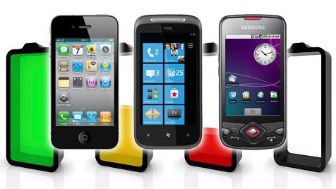 So verlängerst du die Akkulaufzeit beim Smartphone (Bild: © 2011 Photos.com, Apple, HTC, Samsung)