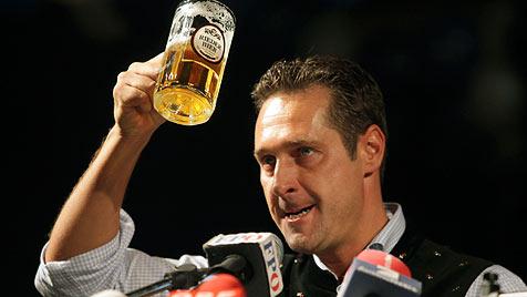 Strache erhebt Kanzleranspruch für 2013 (Bild: APA/RUBRA)