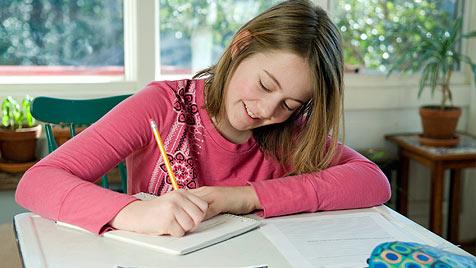 Wie dein Kind selbstständiger wird (Bild: © 2011 Photos.com, a division of Getty Images)