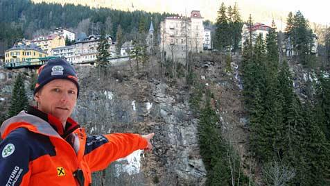 Däne kletterte vor Todessturz über zwei Absperrungen (Bild: Konrad Rauscher)
