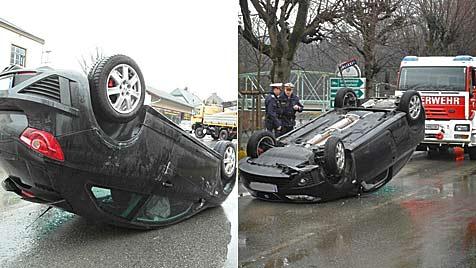 Pkw-Lenker bleibt bei Überschlag mit Auto unverletzt (Bild: Einsatzdoku.at)