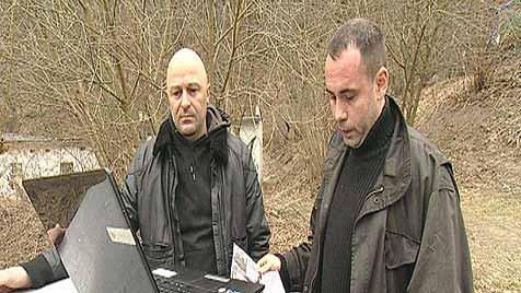 Vater sucht mit Bodyguard nach entführtem Sohn (Bild: Screenshot ProSieben)
