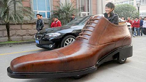 China: Hersteller baut Elektroauto in Schuhform (Bild: Kang Shoe Company)