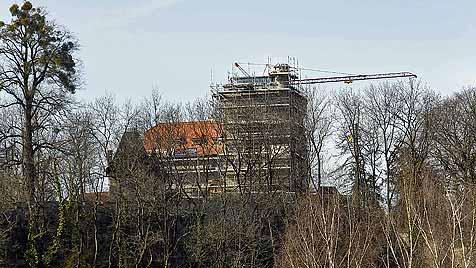 Frey-Schlössl saniert, aber Turm überragt Salzburg (Bild: Markus Tschepp)