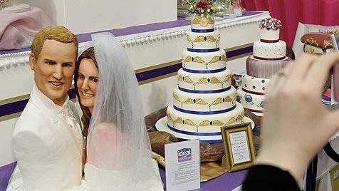 Kekskuchen für den Prinzen - weißer Zuckerguss für Kate