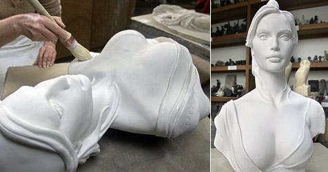 Büste wegen zu großer Brüste aus Rathaus verbannt (Bild: AFP)