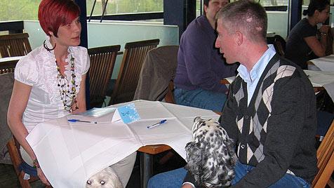 Zweites Speed-Dating in Wien für Hundebesitzer (Bild: APA/DORIT KROBATH)