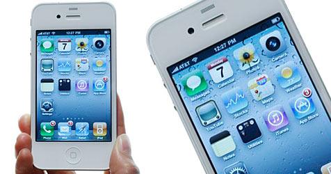 Weißes iPhone 4 ab Donnerstag im Handel erhältlich (Bild: AP)