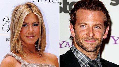 Angebliches Liebes-Revival bei Aniston und Bradley Cooper (Bild: EPA)