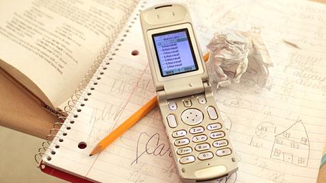 Europarat will WLAN und Handys aus Schulen verbannen (Bild: Photos.com/Getty Images)
