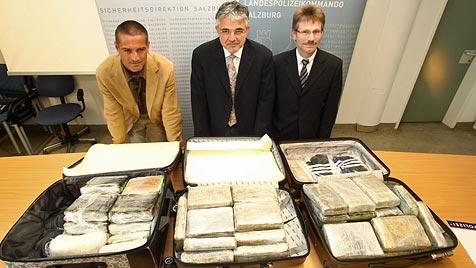 Polizisten sollen bei Kokain-Deal mitgemischt haben (Bild: APA-FOTO: FRANZ NEUMAYR)