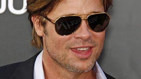 Starkoch Jamie Oliver gibt Brad Pitt Kochstunden
