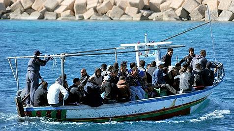 """""""Syrer versuchen massiv, nach Italien zu kommen"""" (Bild: EPA)"""