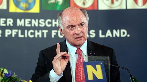 Landeshauptmann Pröll will Flughafen Wien privatisieren (Bild: APA/GEORG HOCHMUTH)