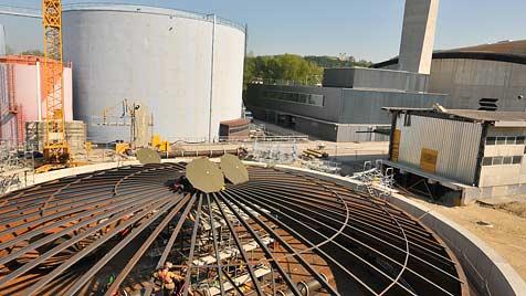 Mega-Boiler sichert künftig Fernwärme-Versorgung (Bild: Wolfgang Weber)