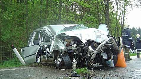 Sekundenschlaf sorgt auf A1 gleich für zwei Unfälle (Bild: FF Eugendorf)