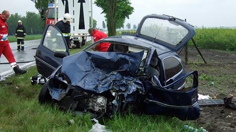 Zwei Tote und zwei Verletzte bei tragischem Unfall (Bild: ÖAMTC)