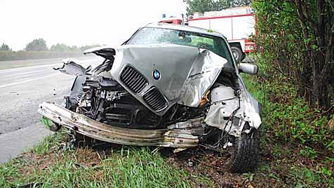 Fast zeitgleich zwei Unfälle in Breitenau an der Südautobahn (Bild: Einsatzdoku.at)