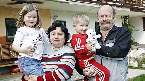 Hustenanfall der Oma rettet Familie bei Brand das Leben (Bild: Markus Tschepp)