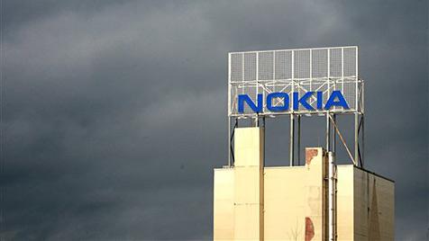Nokia streicht 7.000 Stellen und lagert Symbian aus (Bild: AP)