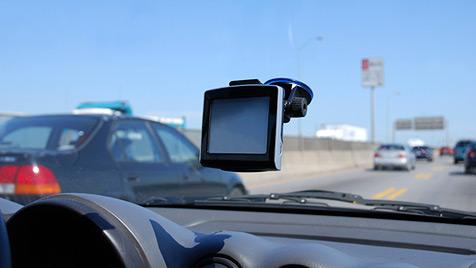 Polizei optimierte Radarfallen mit Navi-Daten (Bild: Photos.com/GettyImages, Christof Birbaumer)