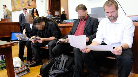 SOKO Bekleidung wird von den Grünen angezeigt (Bild: APA/HELMUT FOHRINGER)