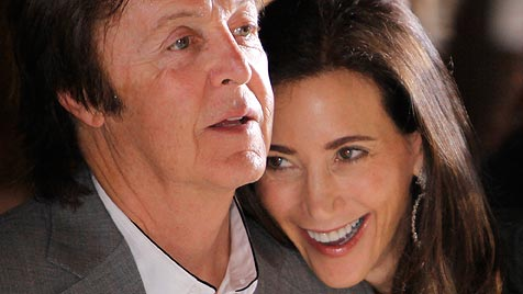 Paul McCartneys Verlobte trägt 650.000-Dollar-Ring (Bild: AP)