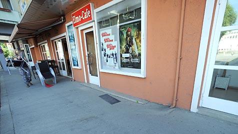 Mord vor Elmo-Kino: Blutspur könnte zum Täter führen (Bild: APA/BARBARA GINDL)