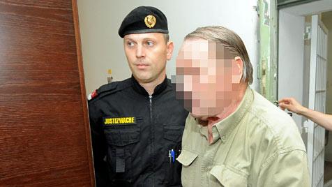 """Bombenbastler"" zu zehn Jahren Haft verurteilt (Bild: APA/HERBERT PFARRHOFER)"