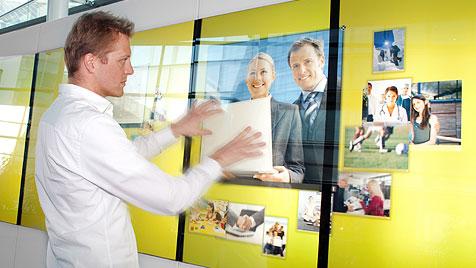 "Heimische Firma produziert ""Minority Report""-Displays (Bild: uma information technology)"