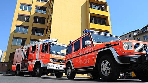 Kellerbrand in Firma: Mitarbeiter evakuiert (Bild: foto-kerschi.at)