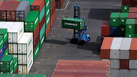 20 Milliarden Euro aus Export lukriert (Bild: EPA)