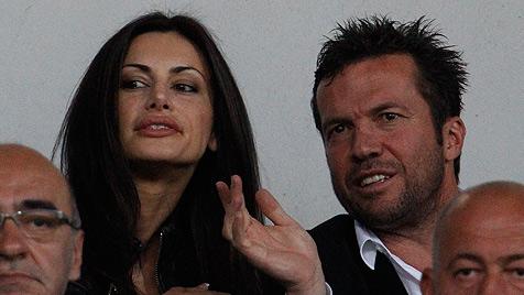 Lothar Matthäus zeigt sich in Sofia mit neuer Freundin (Bild: AP)