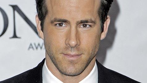 """Ryan Reynolds: """"Bin noch nicht über Scheidung hinweg"""" (Bild: EPA)"""