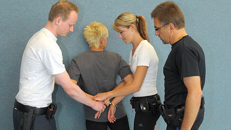Junge Polizeischüler punkten mit Herz und Köpfchen (Bild: Chris Koller)